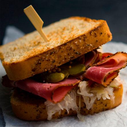 sandwiches-manoteras